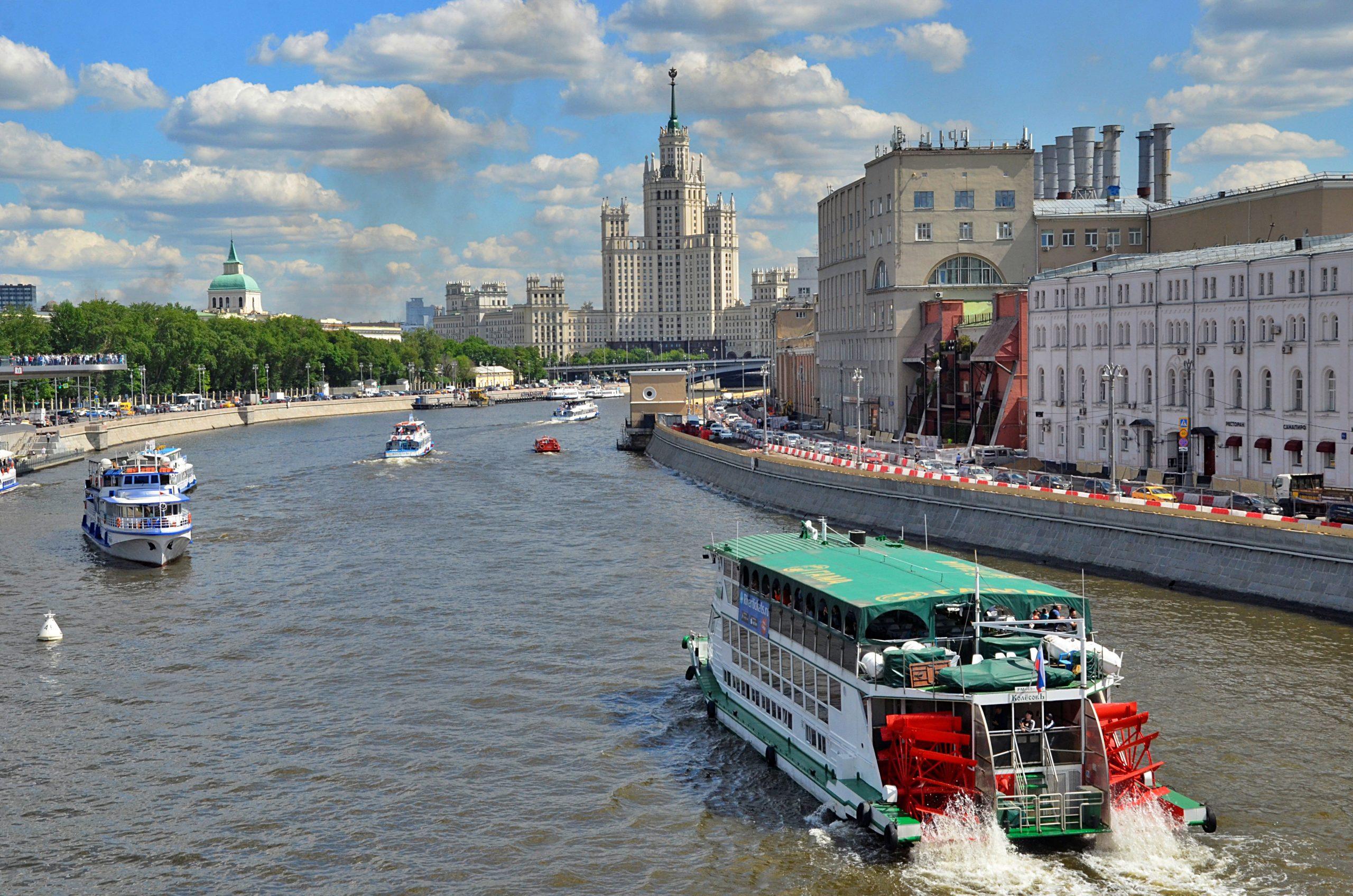 Организаторам концерта Арбениной на теплоходе в Москве грозит крупный штраф