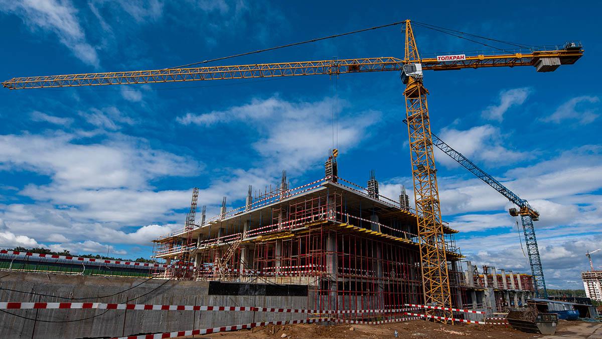 Витражи и керамогранит: в Нагатино-Садовниках оформят инженерный корпус