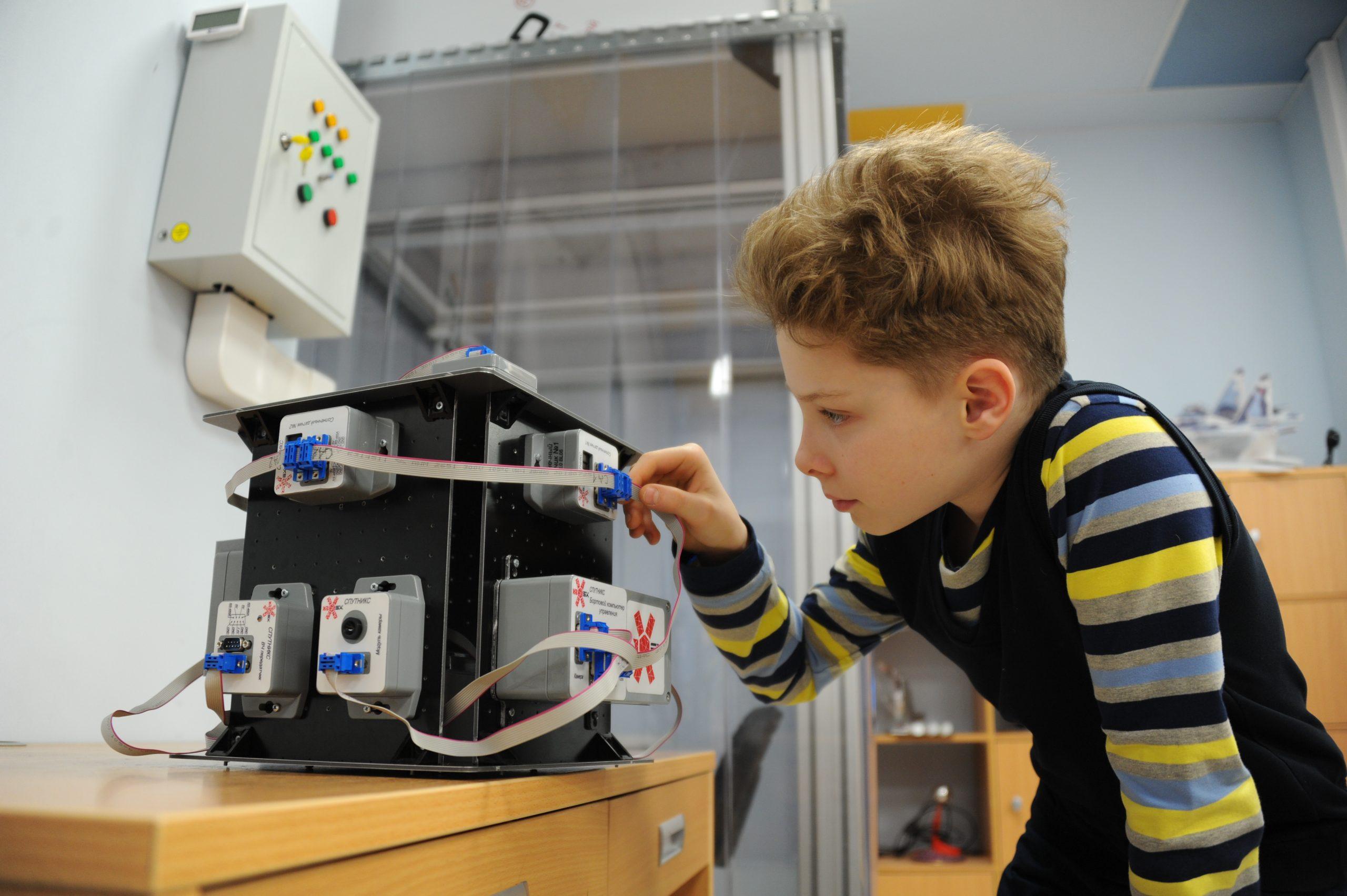 Команда детского технопарка «Мосгормаш» стала победителем в первенстве по моделированию