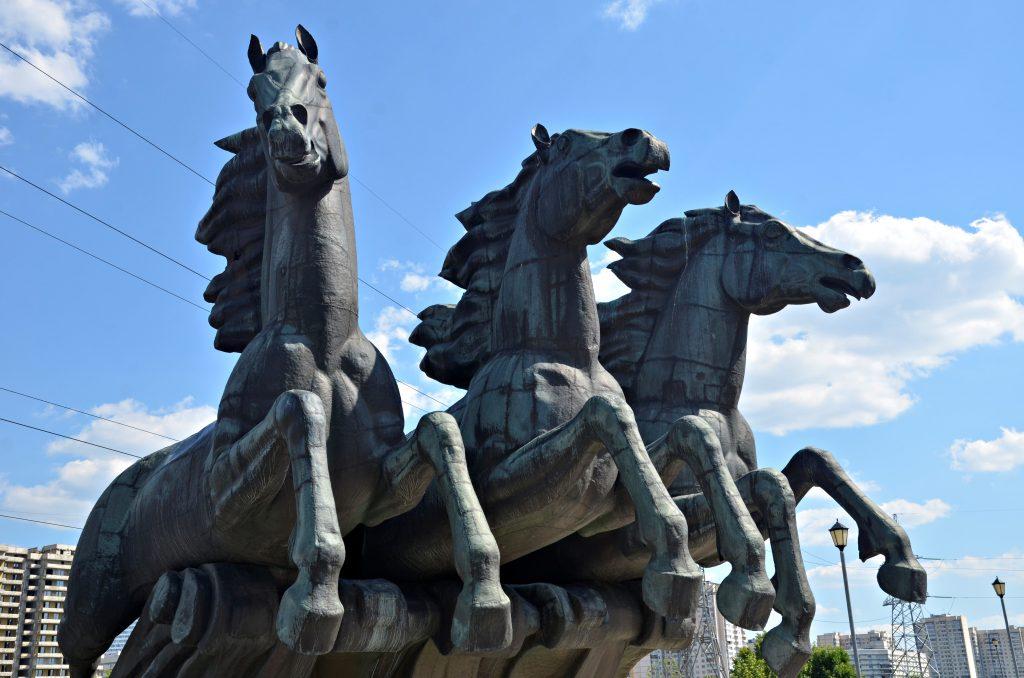 Фонтан «Тройка» на юге Москвы ждет капитальный ремонт. Фото: Анна Быкова