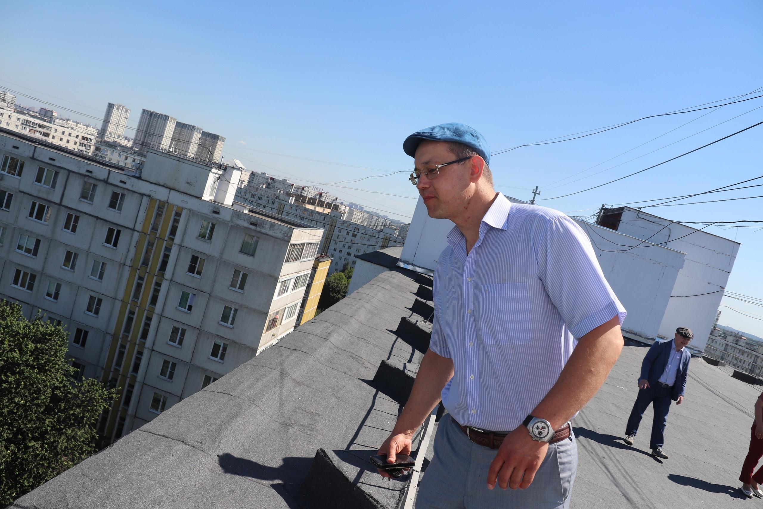 Cвыше 2000 квадратных метров кровли привели в порядок в Орехове-Борисове Южном