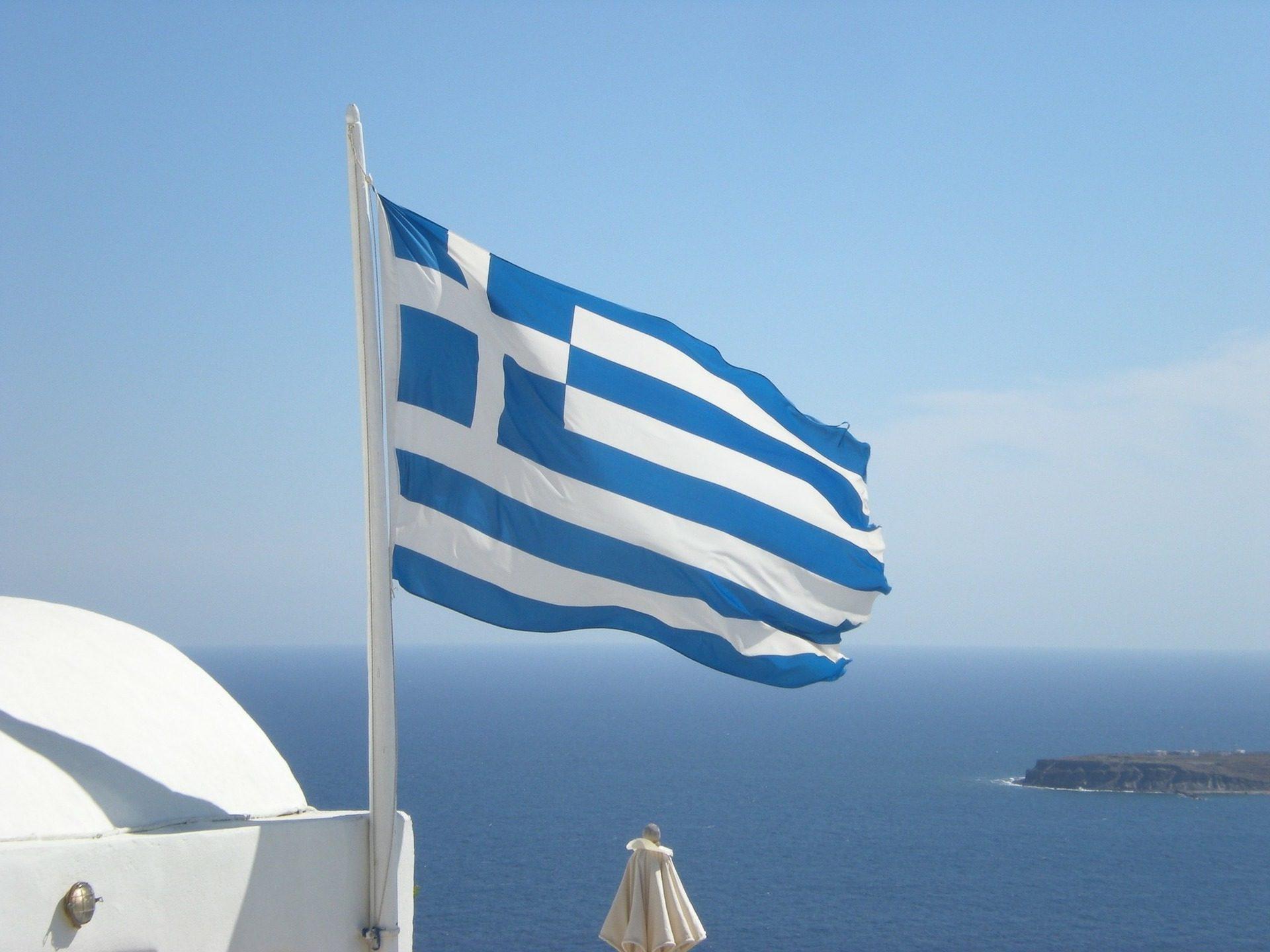 Греция объявила обязательную вакцинацию для нескольких категорий граждан