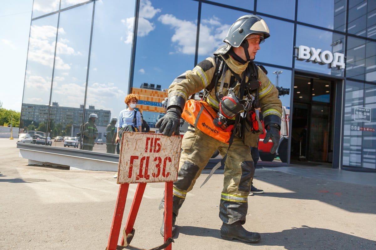 В южном административном округе столицы состоялись пожарно-тактические учения в Торговом центре Гранд Юг, бывший «Электронный рай»
