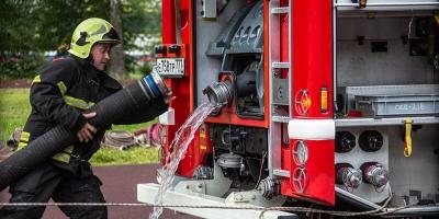 Справиться с огнем за полторы минуты: в столице прошел городской этап чемпионата по боевому развертыванию