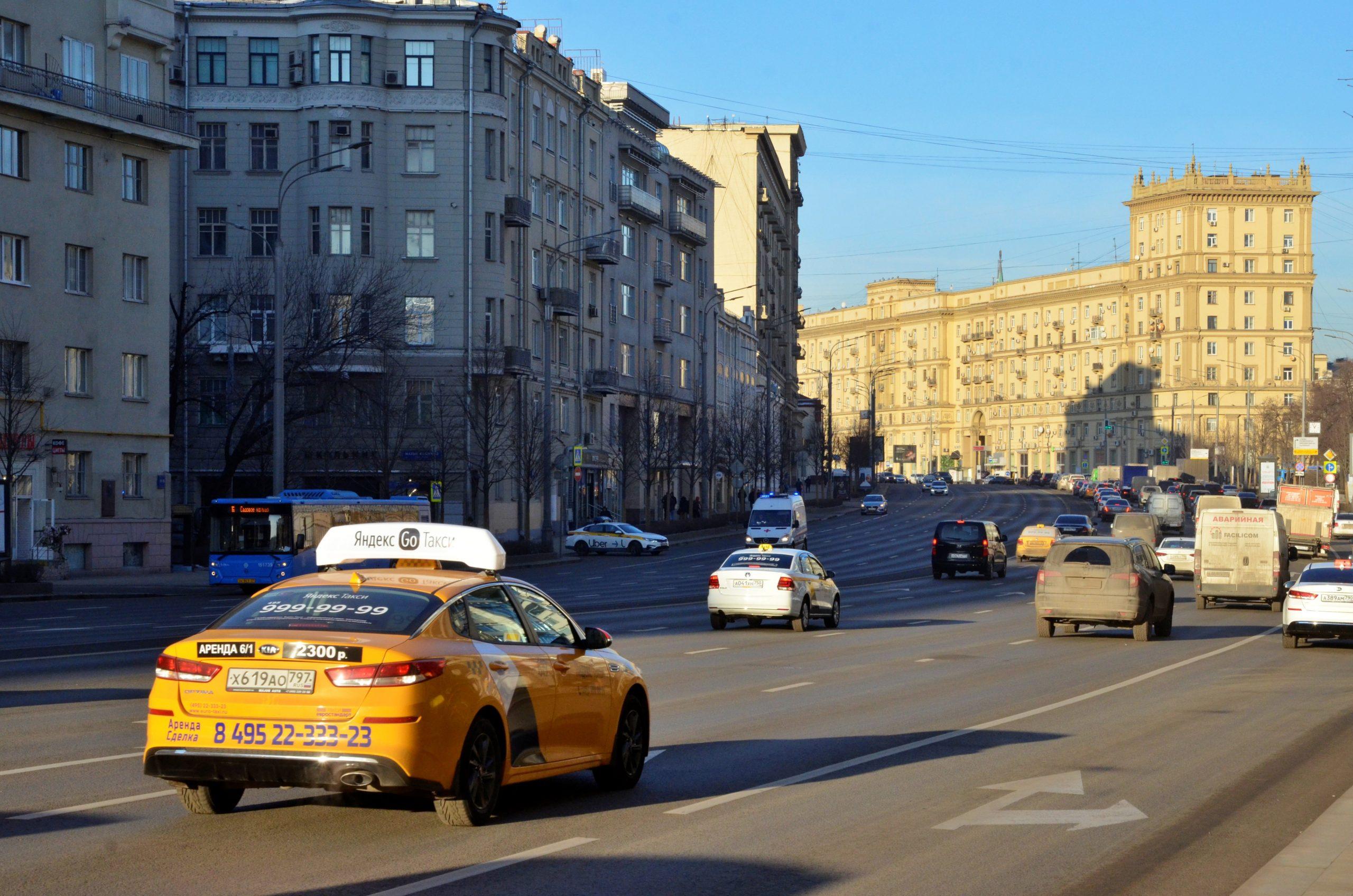 Сервис по отслеживанию времени работы таксистов запустили в Москве