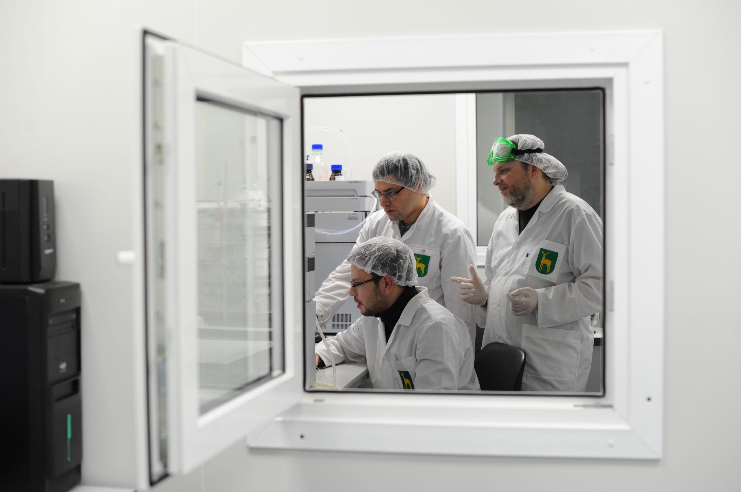 За последние сутки 24 часа в России зарегистрировали 19 509 случаев инфекции COVID-19
