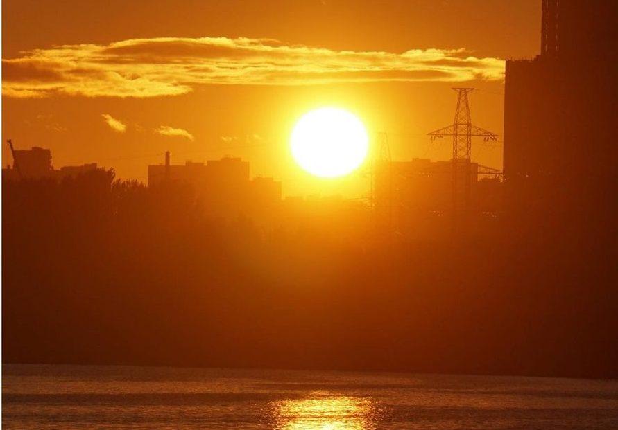 Золотой закат над Москвой-рекой