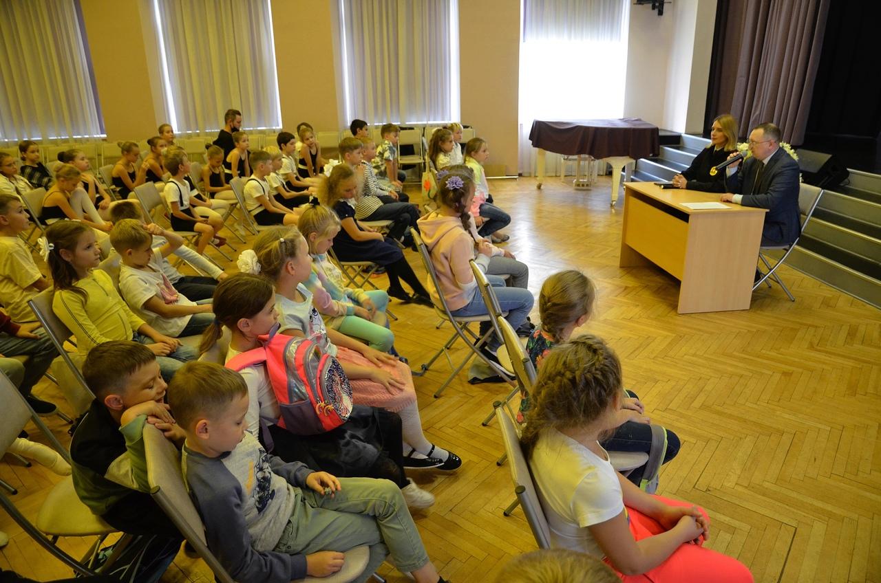 Профилактическую встречу провели в Детской школе искусств «Родник»
