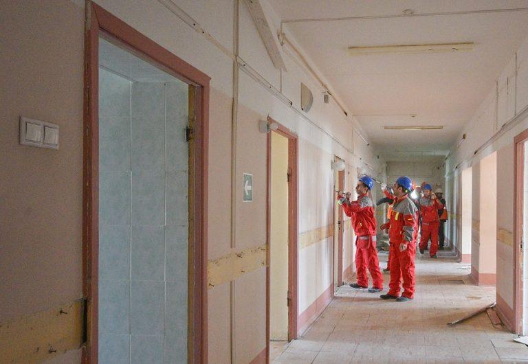 Жителям рассказали о ходе капитального ремонта в Городской поликлинике №210
