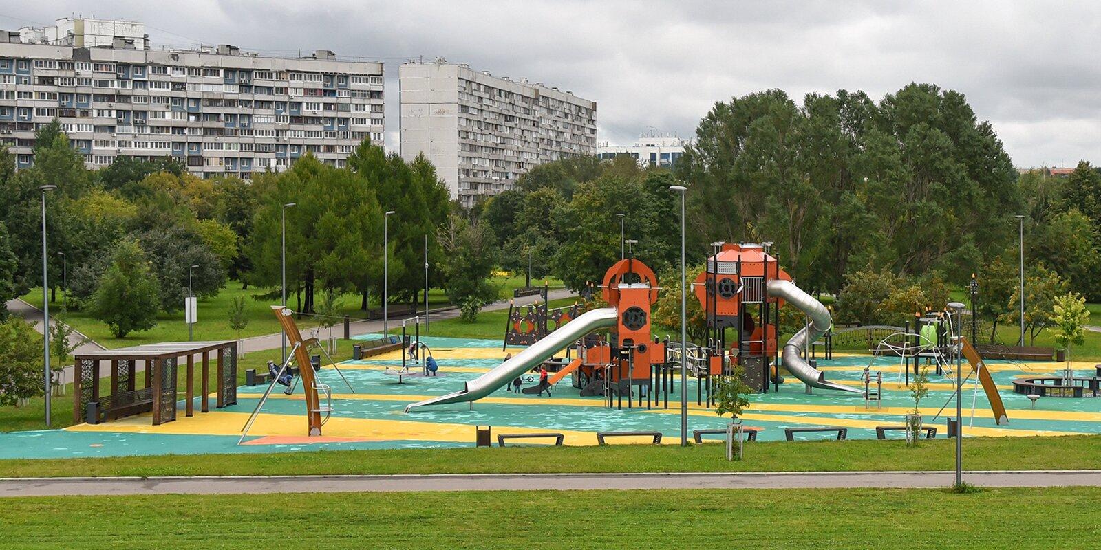 Парк «Садовники» переименуют в парк имени Юрия Лужкова