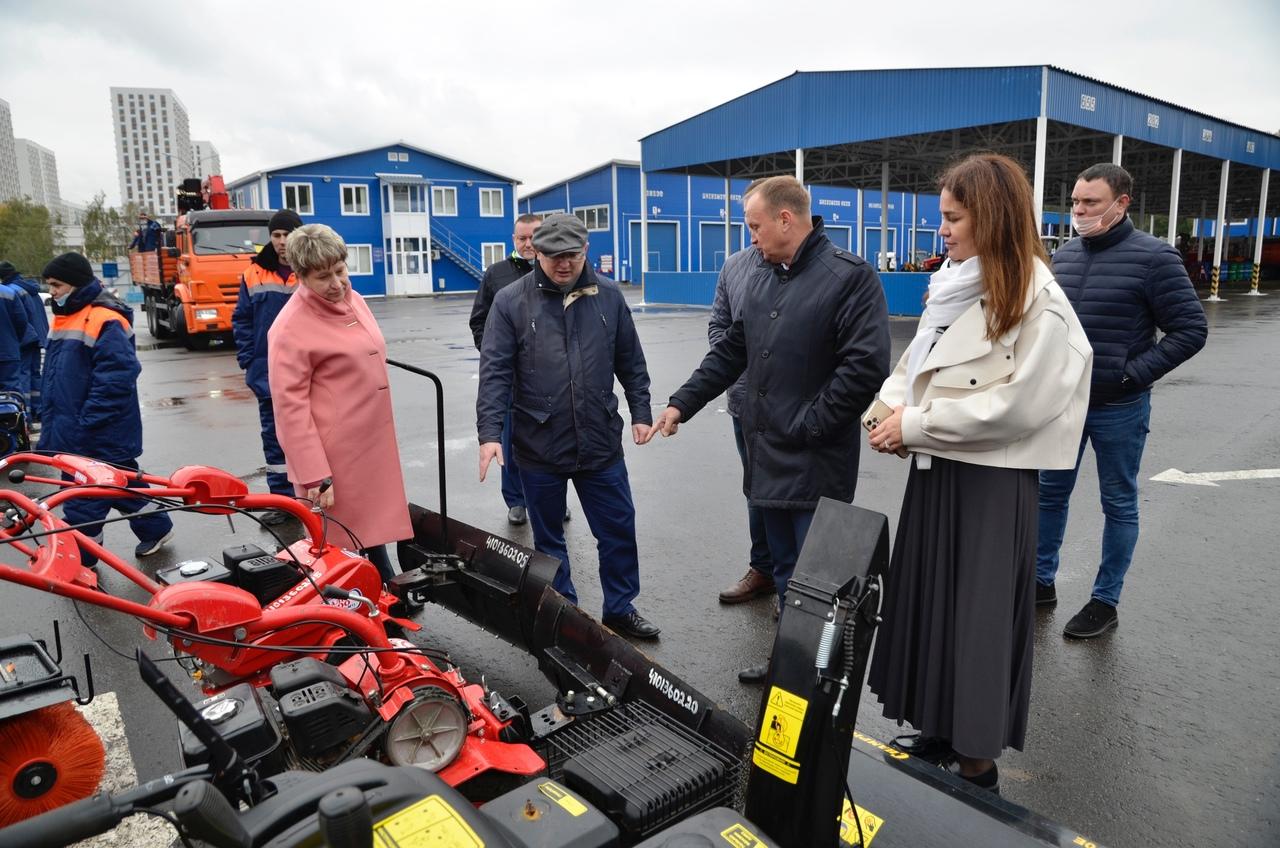 Мониторинг готовности уборочной техники к новому сезону состоялся в Орехове-Борисове Южном
