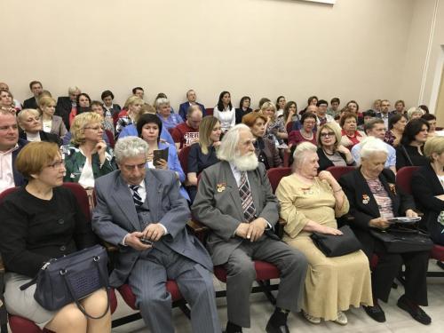 Мэр Москвы Сергей Собянин на встрече с жителями Бирюлева Западного. Фото: Мария Иванова, «Вечерняя Москва»