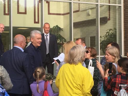 Мэр Москвы Сергей Собянин встретился с жителями Бирюлево Западное 15 мая 2018 года. Фото: Анна Быкова